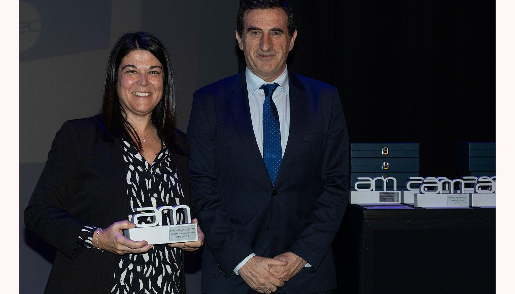 En la categoría Internacionalización entregó el premio José Ignacio Ortiz de Urbina, vocal de Aspromec y director general de Intermaher. Recogió Silvia Canela Viñas, directora Managing de Eines Canela.