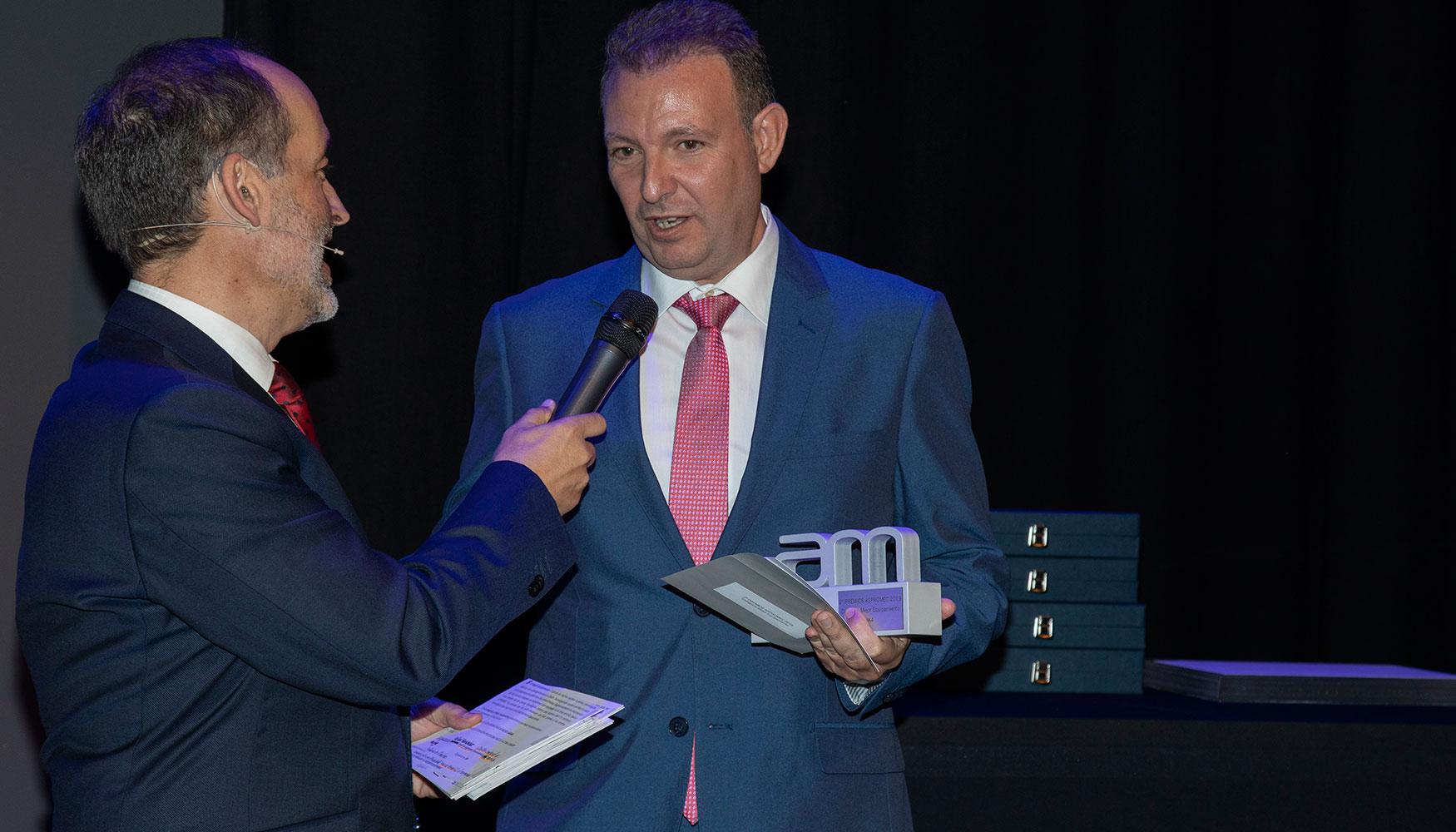 Hizo entrega de este premio Rafael Fernández, vocal de ASPROMEC y director comercial de Rohn Iberica, que el mismo recogió en nombre de IK4, que no pudo asistir al acto.